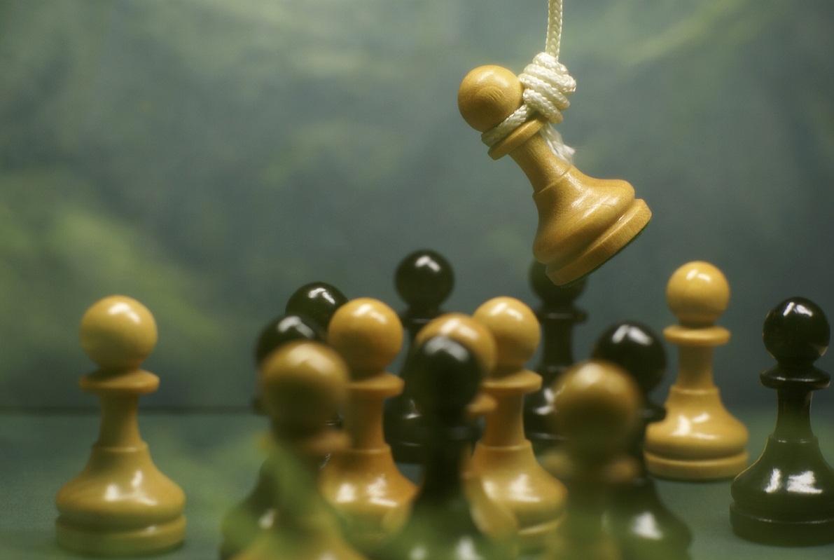 lynching a pawn